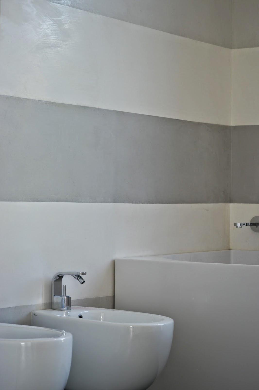 Chiartec rivestimento bagno in marmorino a fasce orizzontali - Imbiancare il bagno ...