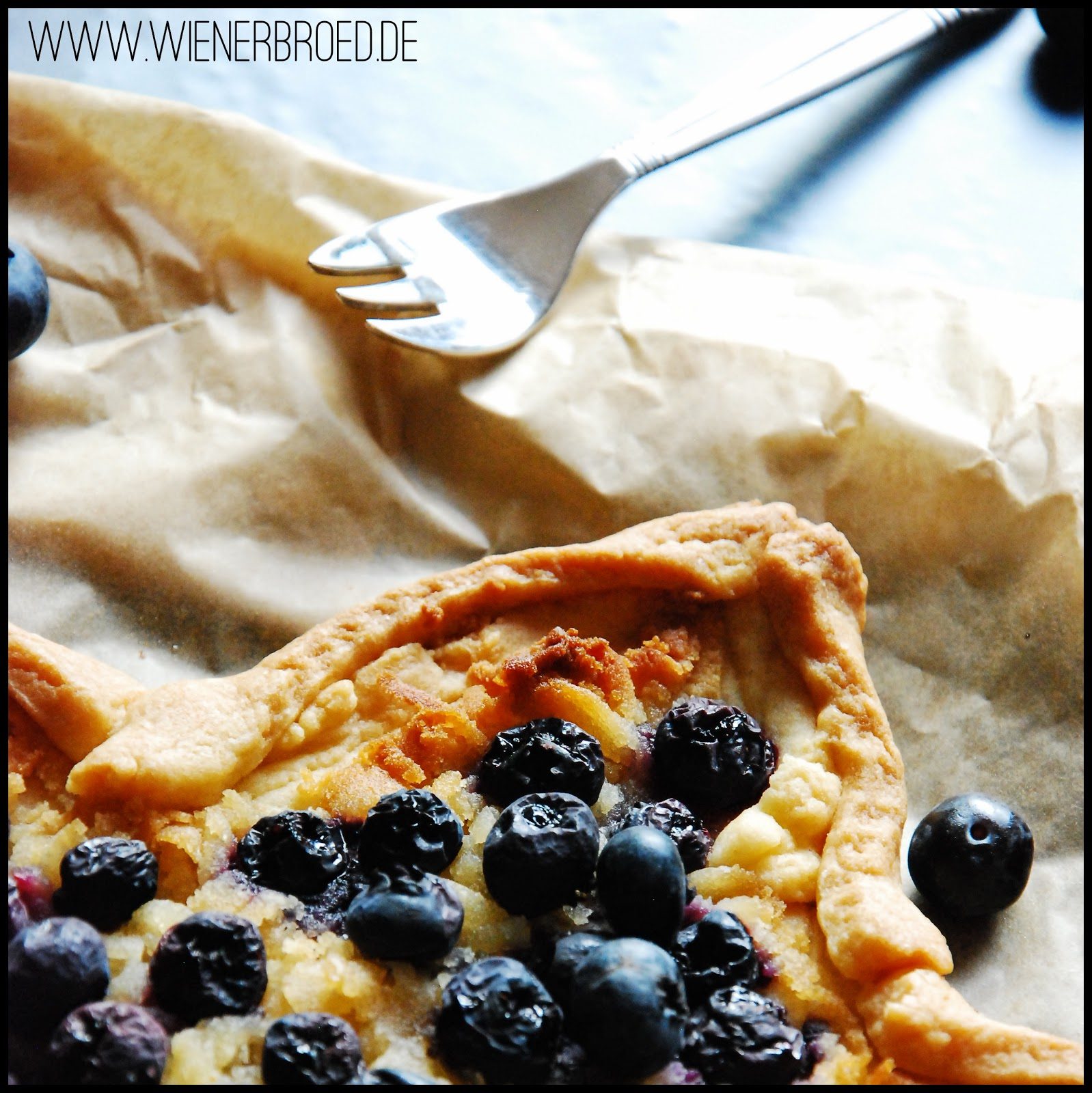 Blueberry marcipan tarte
