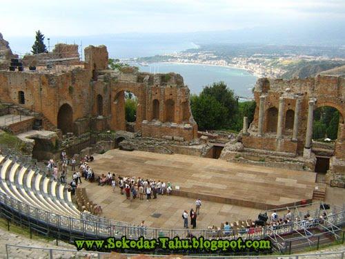 http://2.bp.blogspot.com/-6V2jwkdqjR8/TWbE_GHBHPI/AAAAAAAADjE/-N82zywDC8w/s1600/greco.jpg