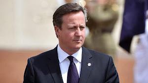 """""""El mundo está al borde de un nuevo desplome financiero"""", advierte el primer ministro británico Dav"""