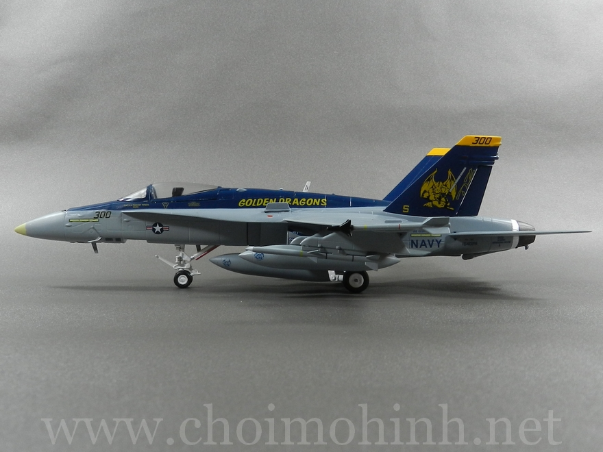 F/A-18C Hornet VFA-192 Golden Dragons 1:72 Witty Wings side