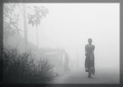 http://2.bp.blogspot.com/-6VJSvnU5uE4/UvYPj_504TI/AAAAAAAADxU/75QOaCHptUw/s1600/Mujer+en+la+niebla.jpg?width=700