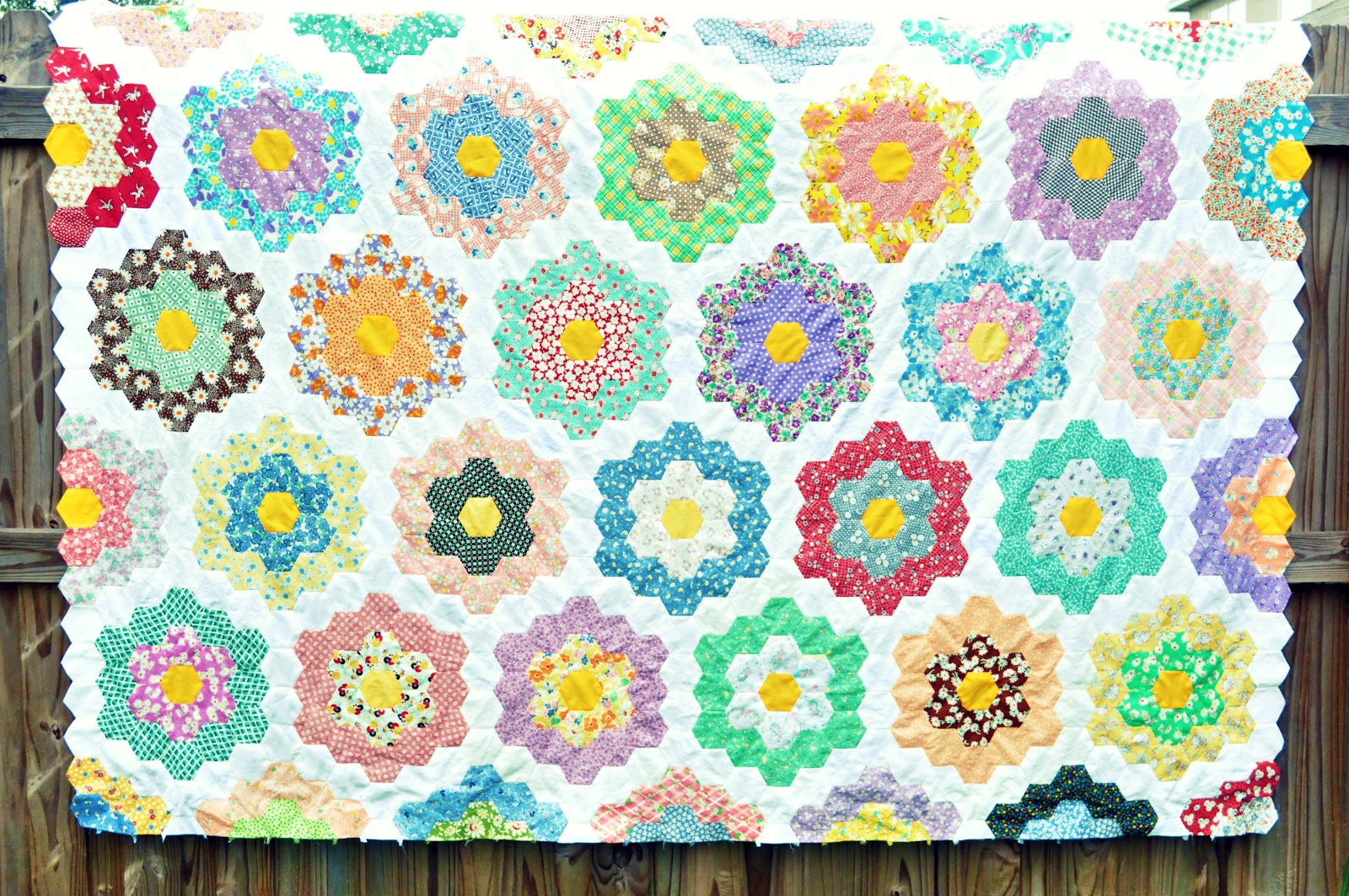 Sweet woodruffs grandmother 39 s flower garden quilt - Grandmother s flower garden quilt ...