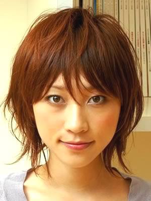 http://2.bp.blogspot.com/-6VRNWQlAg0A/TfsuWlI15QI/AAAAAAAAB2w/ustleGb4rzU/s1600/japanese%20hairstyle%20for%20girls%2013.jpg