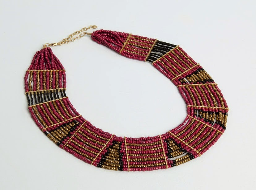 http://www.pullandbear.com/gb/en/woman/jewellery/bead-necklace-c51501p4238529.html?utm_source=linkshare&utm_medium=affiliate