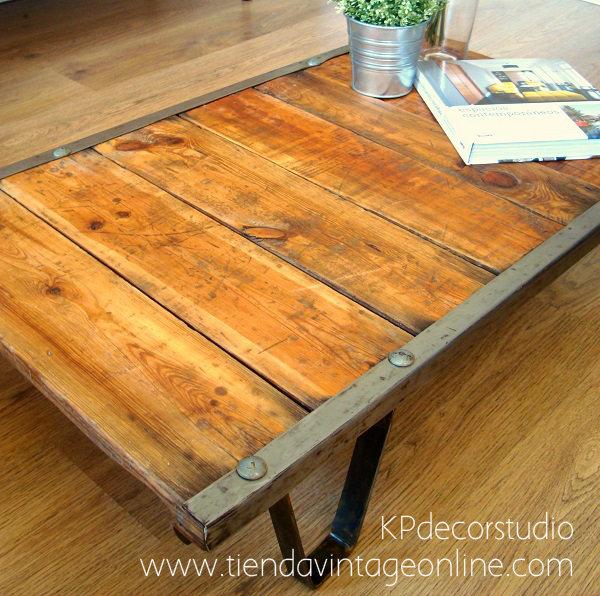 Comprar mesa de madera antigua para el sofá estilo industrial