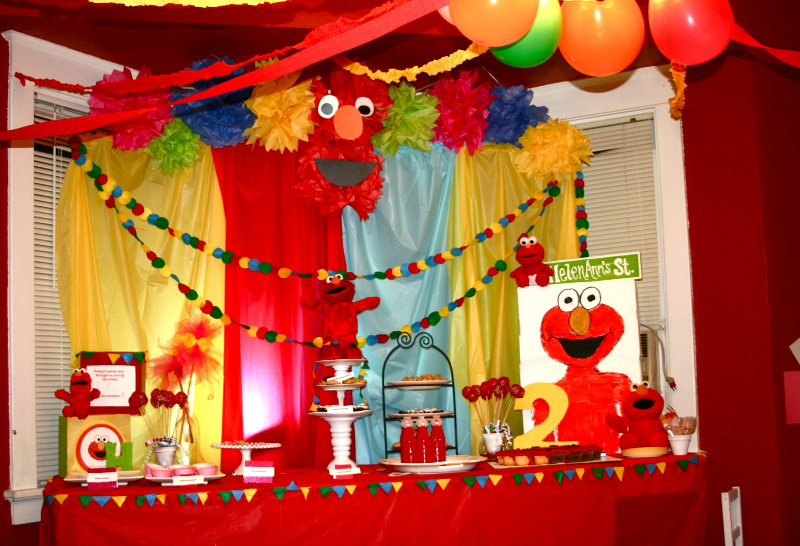 Elmo birthday party decoration ideas elitflat crafy indulgence elmo party solutioingenieria Image collections