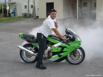 Top Motorcycle  Kawasaki ZX6R Review