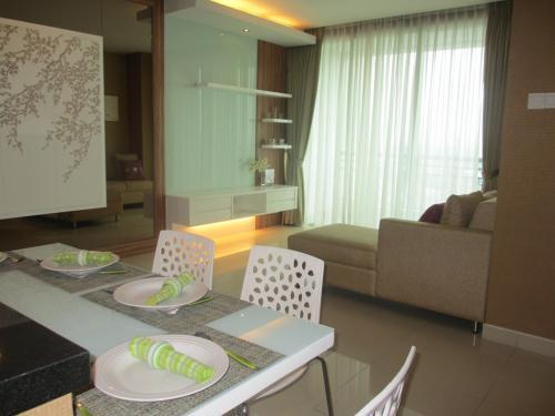 Sewa apartemen jakarta disewakan apartemen central park for Apartment design jakarta