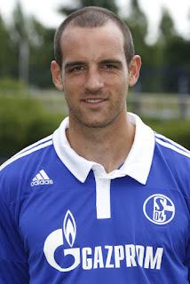 C Metzelder zagueiro alemão do Schalke 04