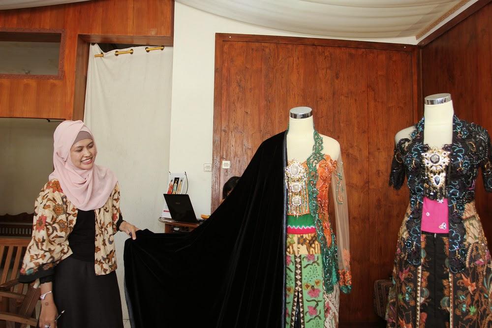 Baju Kebaya Pernikahan Selvi Ananda dan Gibran Jokowi 2015 Jawa Klasik Modern