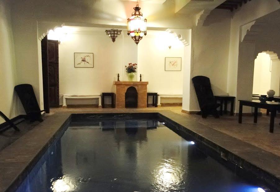 Riad marrakech h tel marrakech s jour marrakech voyage for Riad essaouira avec piscine