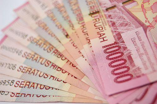 11 Benda yang Ditempati Banyak Kuman: Uang