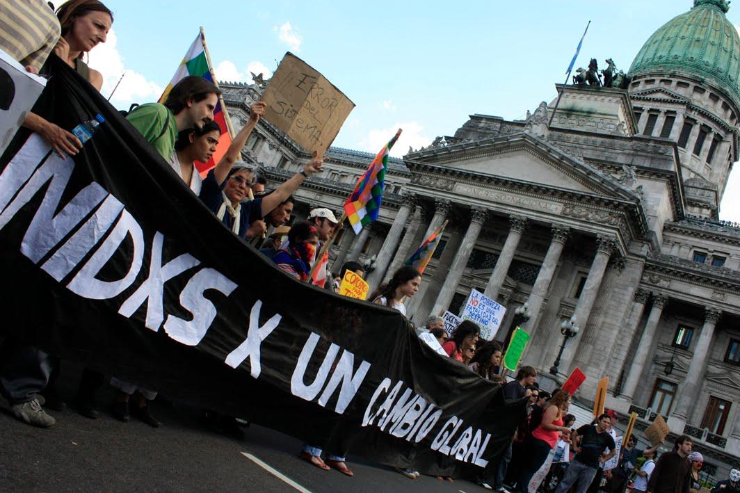 """LA ORDEN JESUITA DETRÁS DE LOS """"INDIGNADOS"""" 20111015-ACamino-Democracia-Real-Ya-474"""