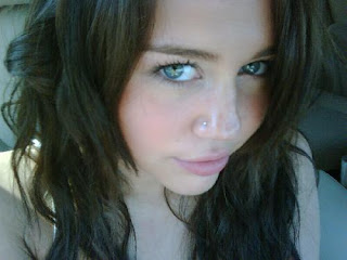 Miley Cyrus nose ring stud piercing photo photos