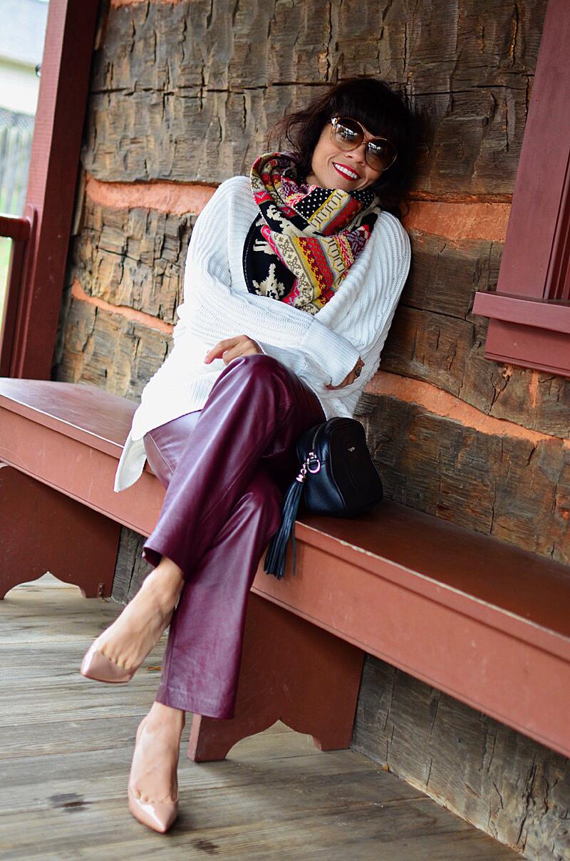 Oversized scarf street style