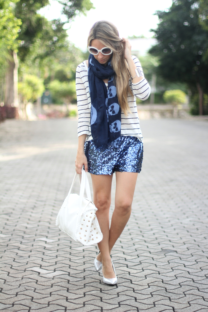 Look navy deluxe by fashion blogger Mónica Sors