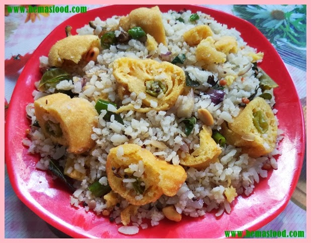 Poha with green chilly fritters