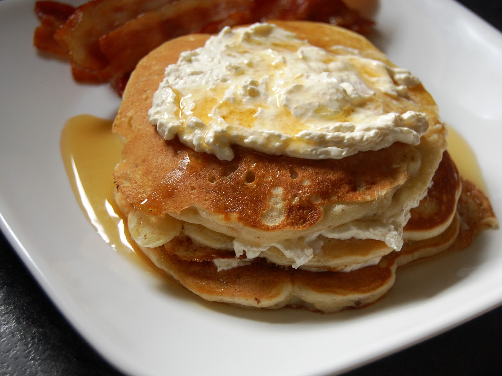 Cassie Craves: Banana Nut Pancakes