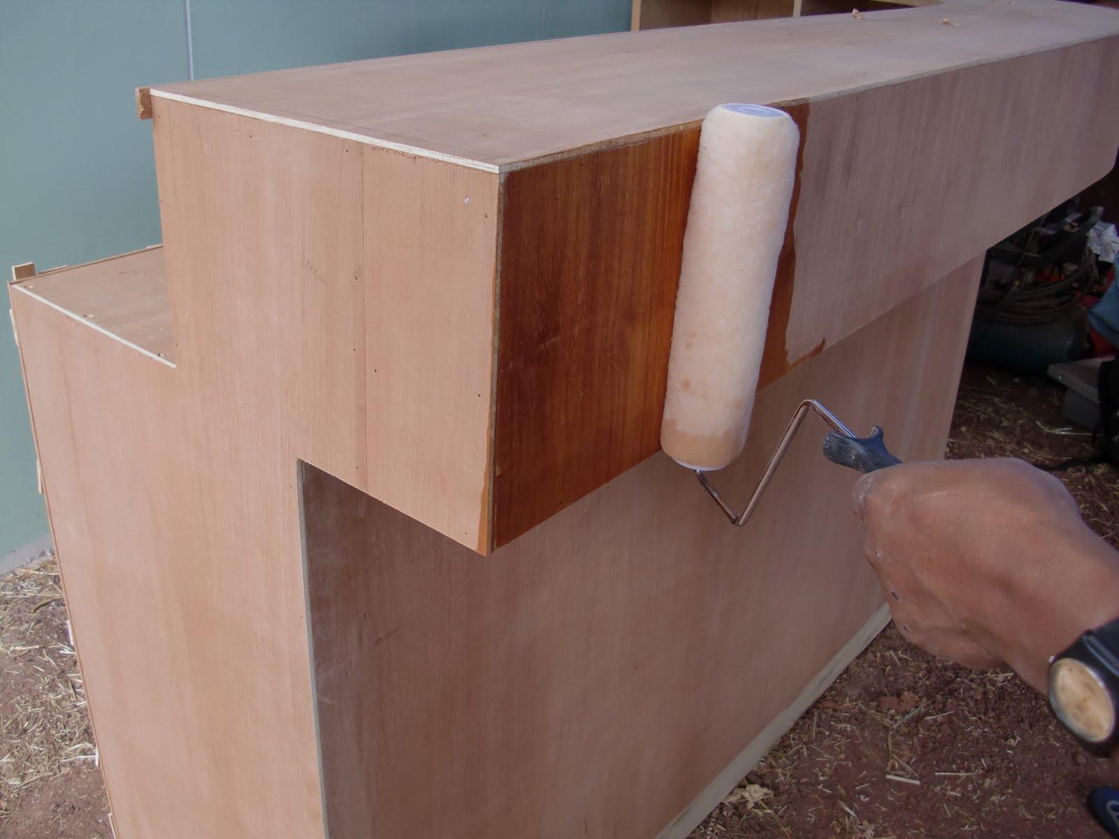 Decoraciones manualidades en madera pintar mueble paso a paso for Pintar mueble barnizado