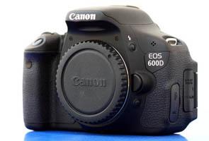 Spesifikasi Dan Harga terbaru Kamera Canon EOS 600D Dengan Lensa super joss