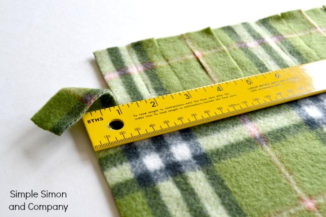 A No-Sew Polar Fleece Blanket Tutorial - Simple Simon and Company