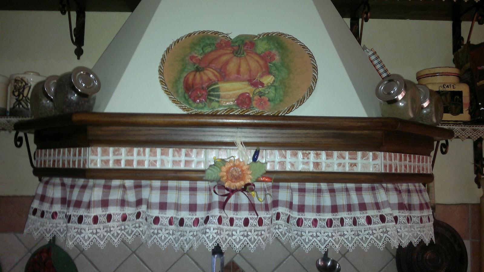 Un angolo di passioni cappa country - Tendine country per cucina ...