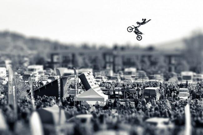 Одна из лучших фотографий Red Bull Illume 2013. Фотограф: Elias Kunosson, спортсмен: Fredrik Berggren, место: Оре, Швеция.