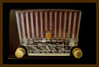 Ράδιο Ανθρωπάκια Palaio_radiofono