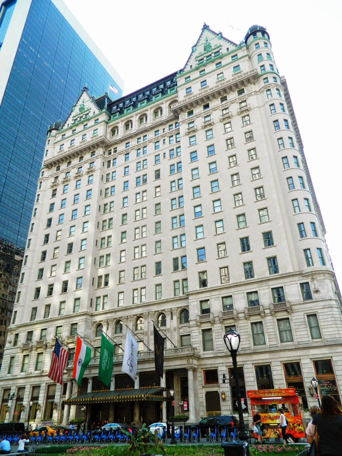 new york city 5th avenue plaza hotel flags day architecture