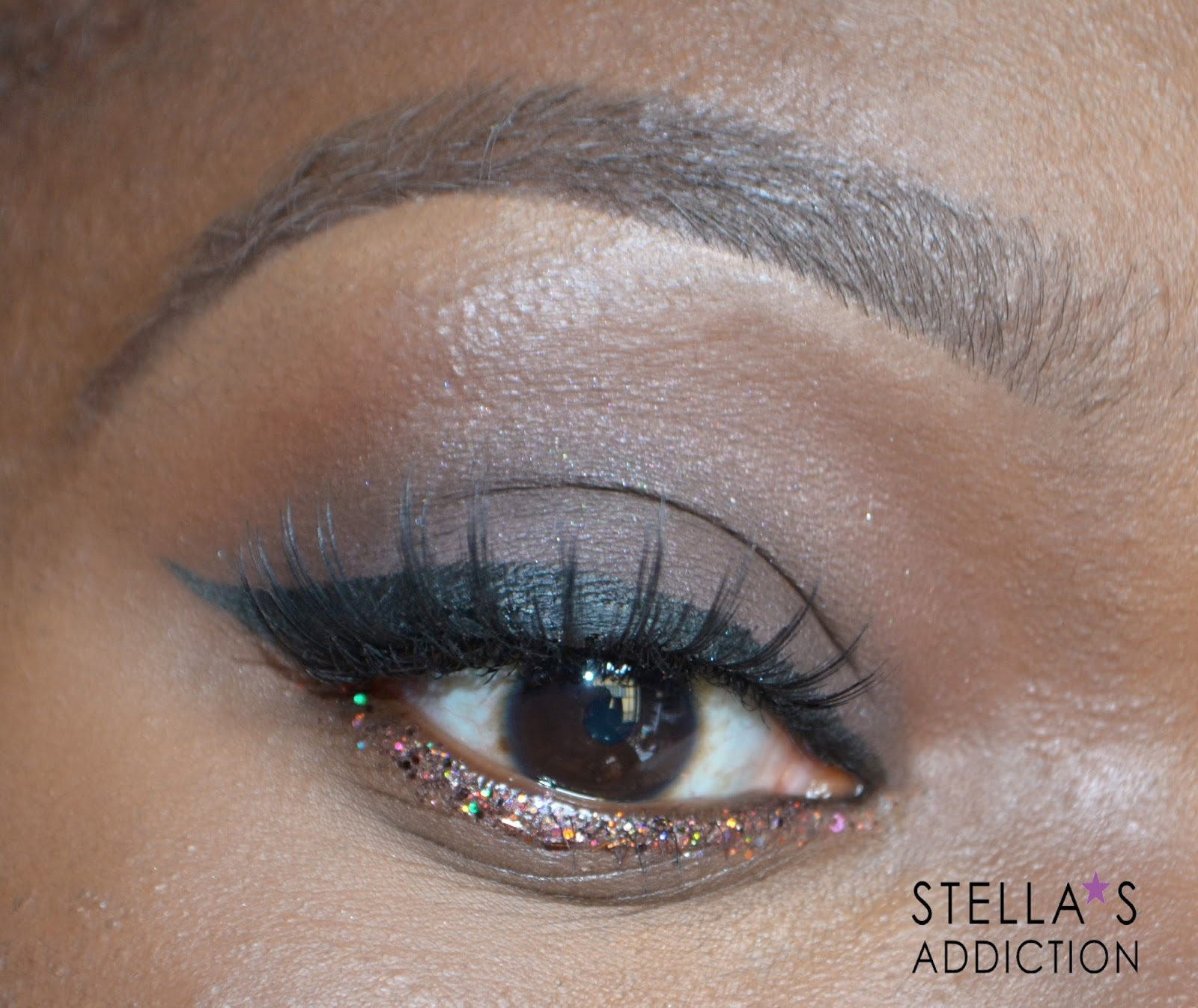 Party Ready For The Holidays Brown Smokey Eye Lined In Glitter