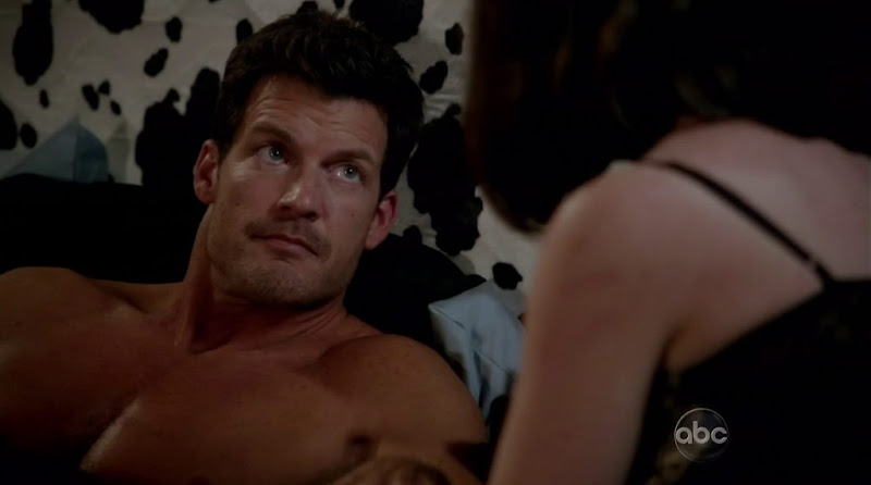 Mark Deklin Shirtless in GCB s1e03