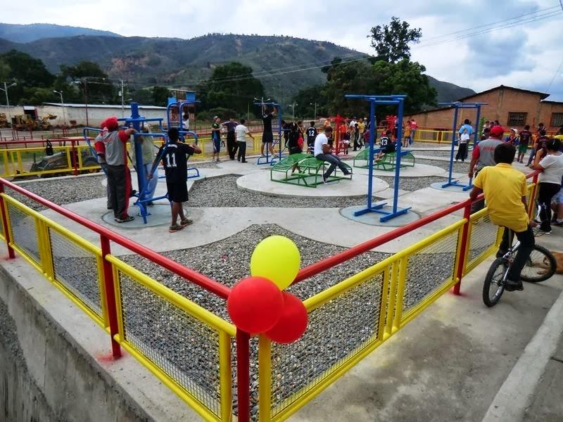 Prensa alcald a bolivariana de carache alcalde sogel for Gimnasio abierto