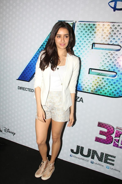 Shraddha Kapoor Display Her Toned Sexy Legs At Film 'ABCD 2′ Launch In Mumbai