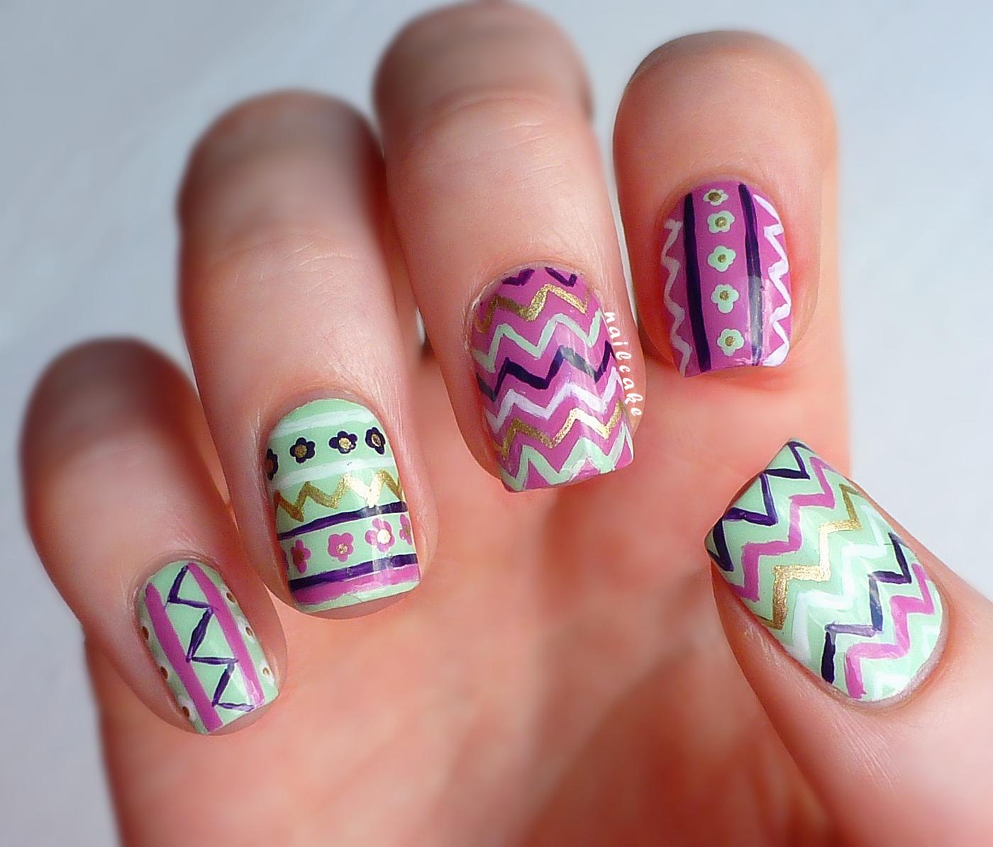 Cute Zig Zag Nail Design