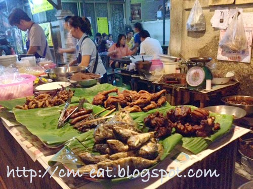 Where to eat in Chiang Mai?: Midnight Fried Chicken / Sticky Rice