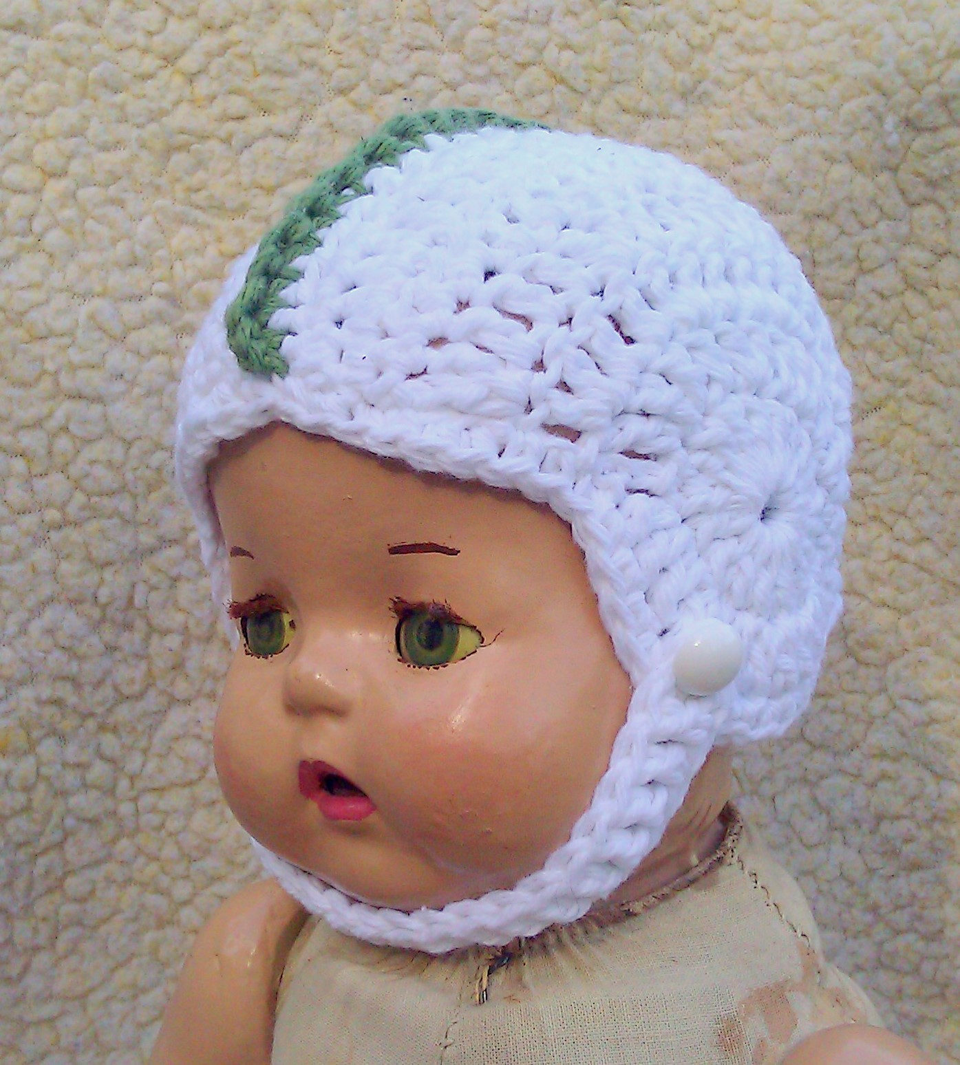 Free Crochet Patterns For Babies : Breezybot: FREE PATTERN - Baby crochet football helmet!