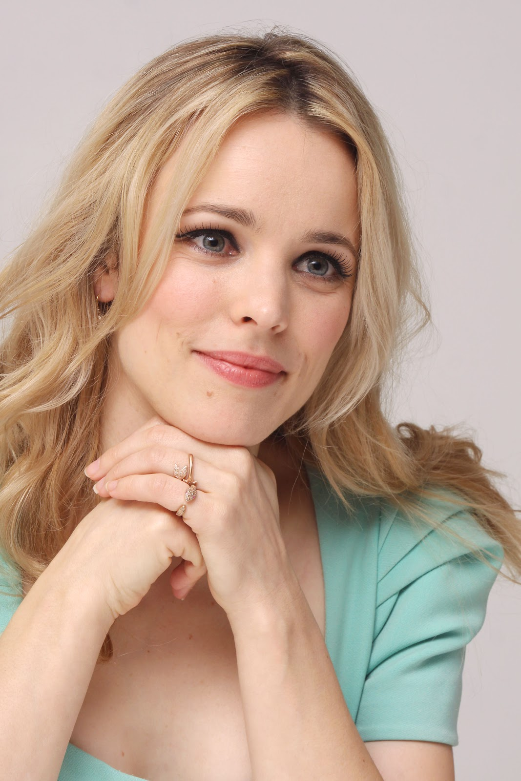 http://2.bp.blogspot.com/-6Z0FFKQ_TN4/T3X6wO06DZI/AAAAAAAABP0/xryVF6yP1YU/s1600/Rachel_McAdams_The_Vow_press_conference_portraits_by_Munawar_Hosain_14.jpg