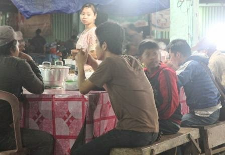 Wisata Pasar Subuh di Kota Martapura
