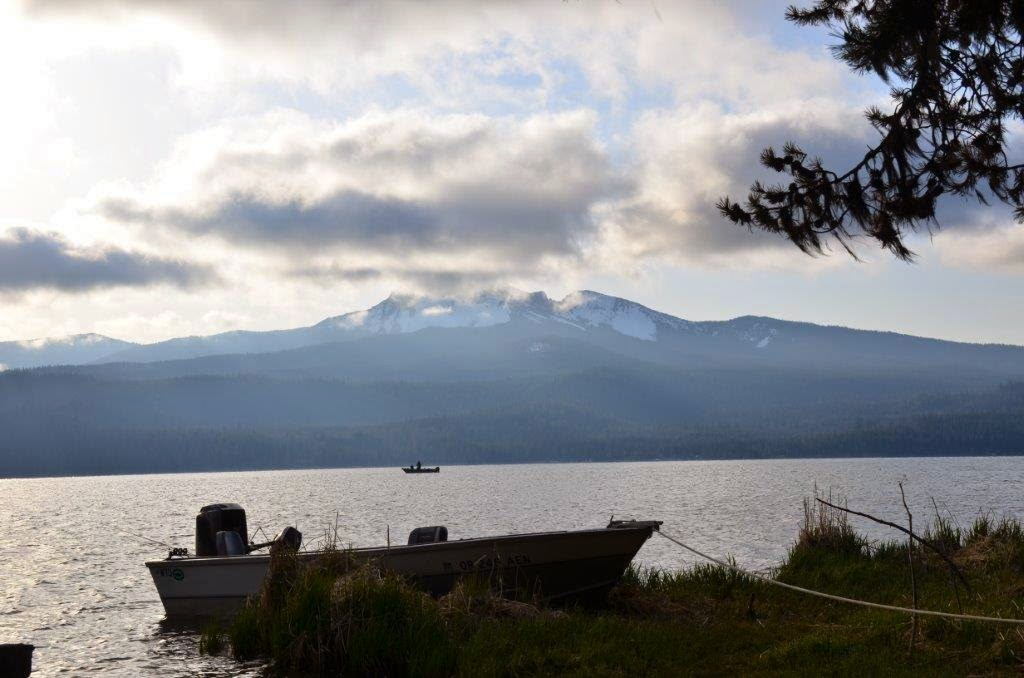 Fly fish oregon water time report may 2015 for Diamond lake fishing report