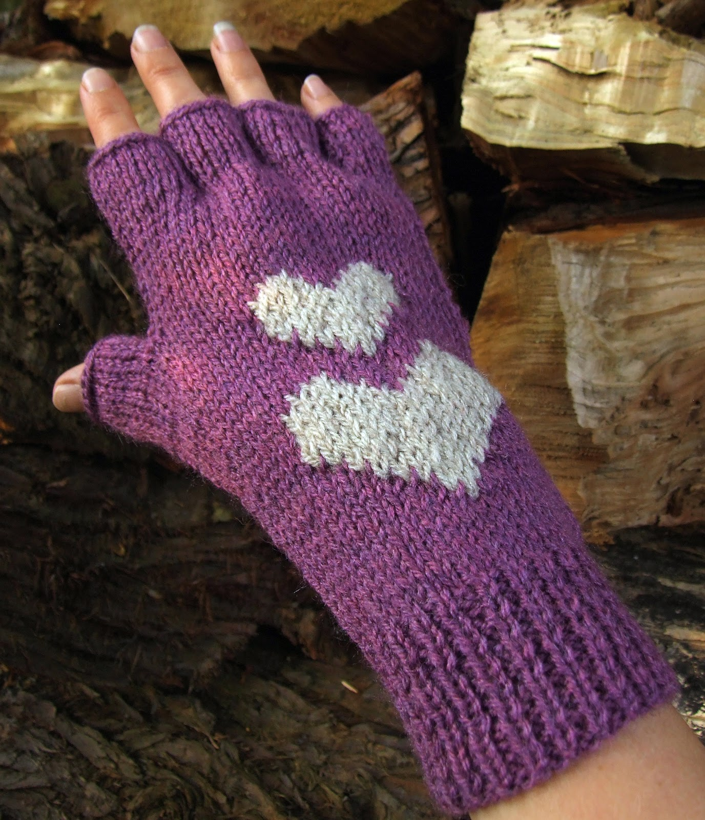 Knitting Pattern Of Gloves : Hearts Fingerless Gloves - Knitting Pattern - WoolnHook by Leonie Morgan