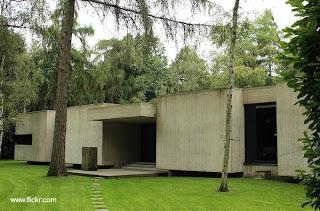 Viviendas construida en hormigón armado estilo Brutalista año 1970