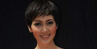 Presenter Olahraga Tercantik di Indonesia Fenita Arie