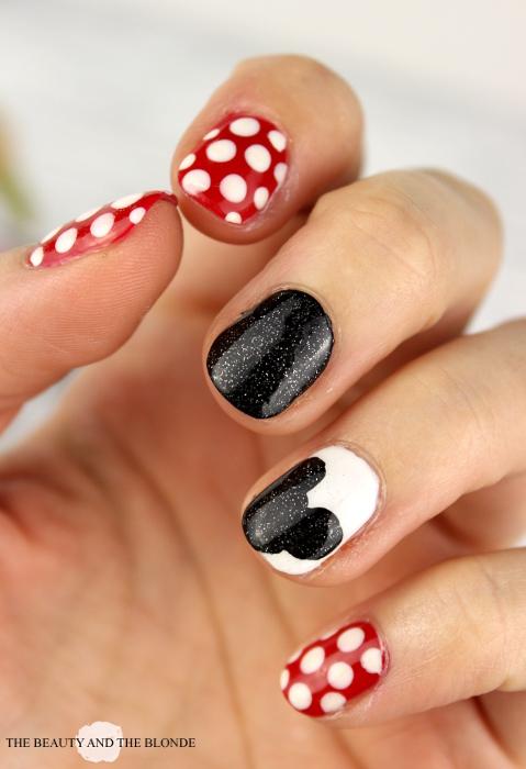 Disney Nail Art, Mickey Mouse