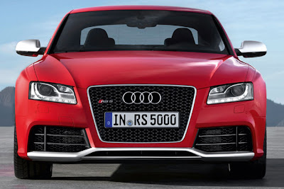 Audi-RS5-Coupe-boot-room.jpg