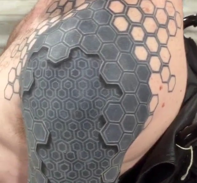 Amazing Creativity Mind Bending 3d Tattoo Appears To Turn
