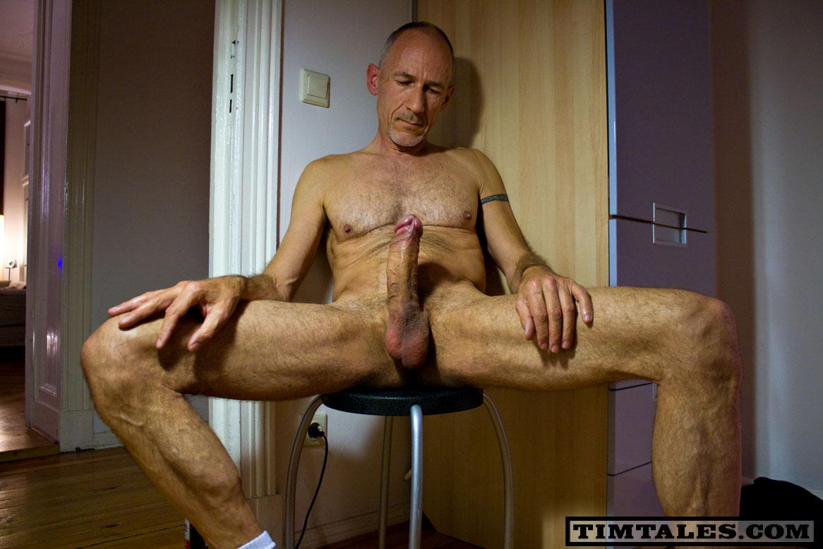 Skinny Guy With Huge Dick