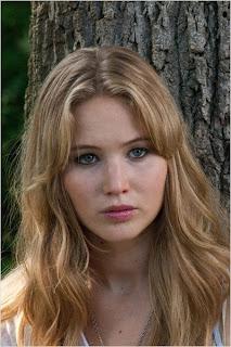 Elisabeth Shue (Sarah)