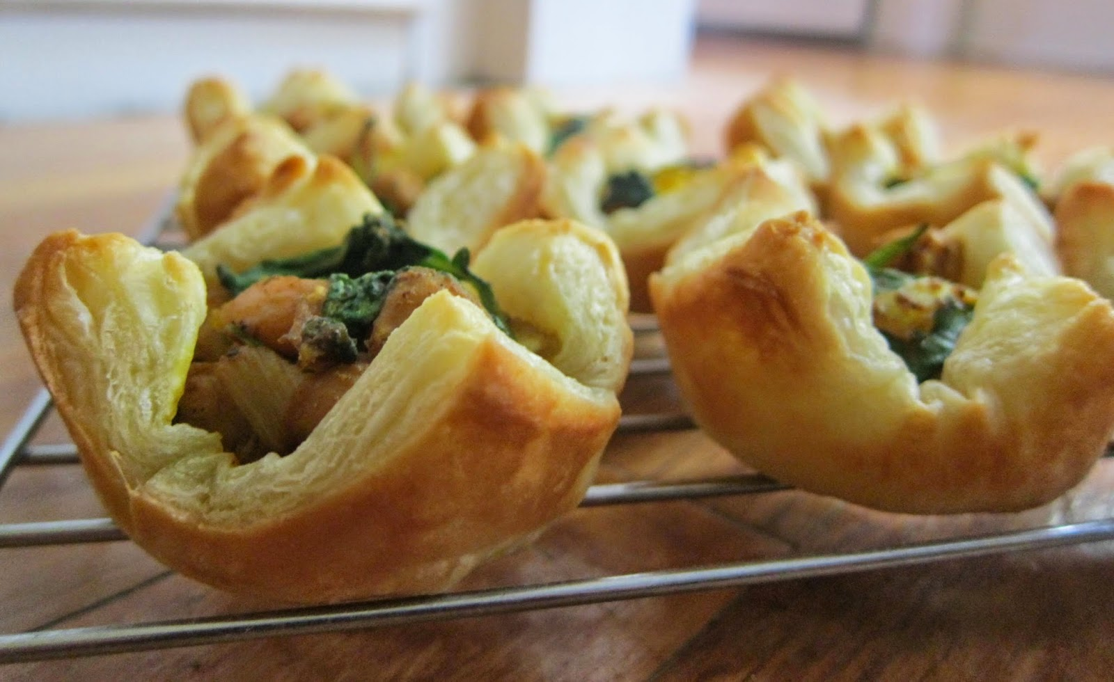 Spinach and Chickpea Curry Tarts | The Economical Eater