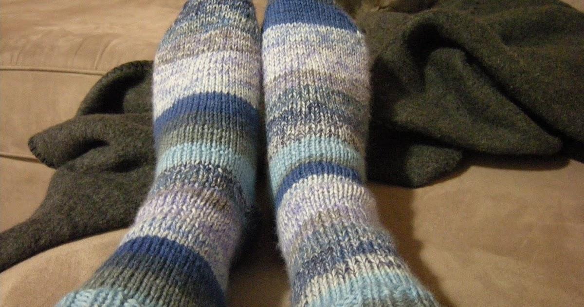 RainyDayArt: Toe Up Socks with Gusset and Heel Flaps